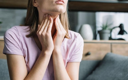 Θυρεοειδίτιδα Hashimoto: συμπτώματα και θεραπευτική αντιμετώπιση
